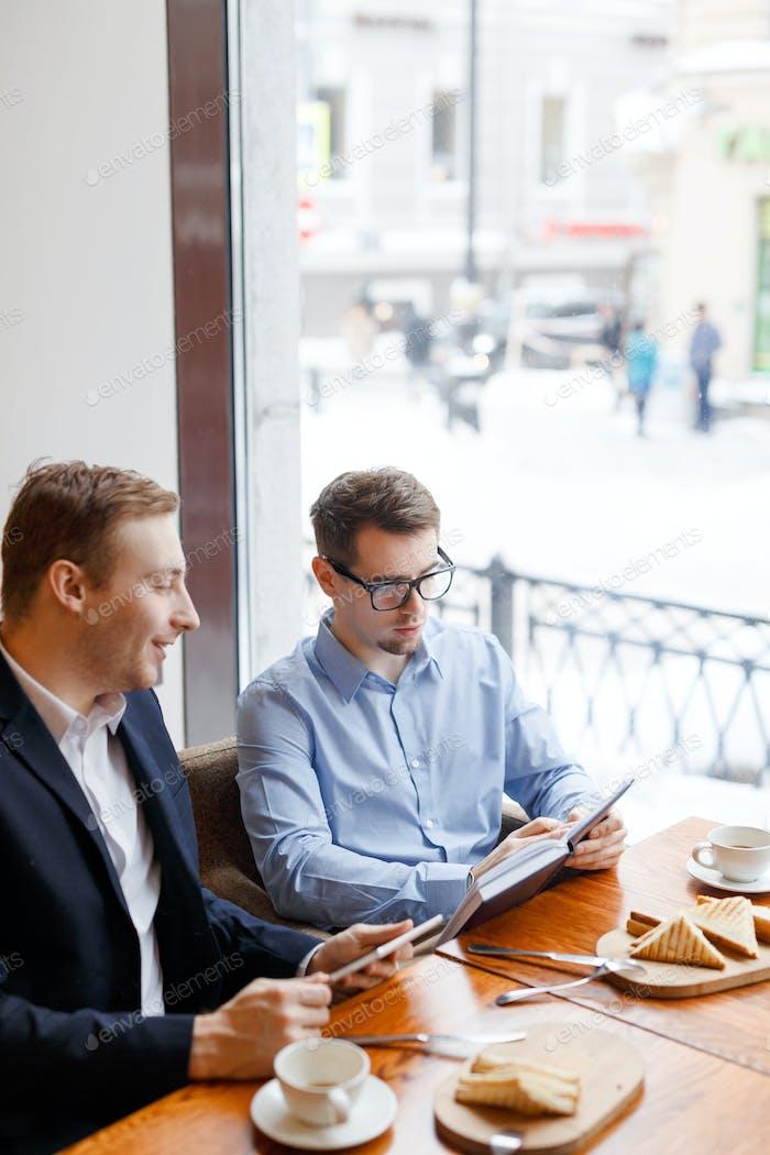 Start-up in cafe