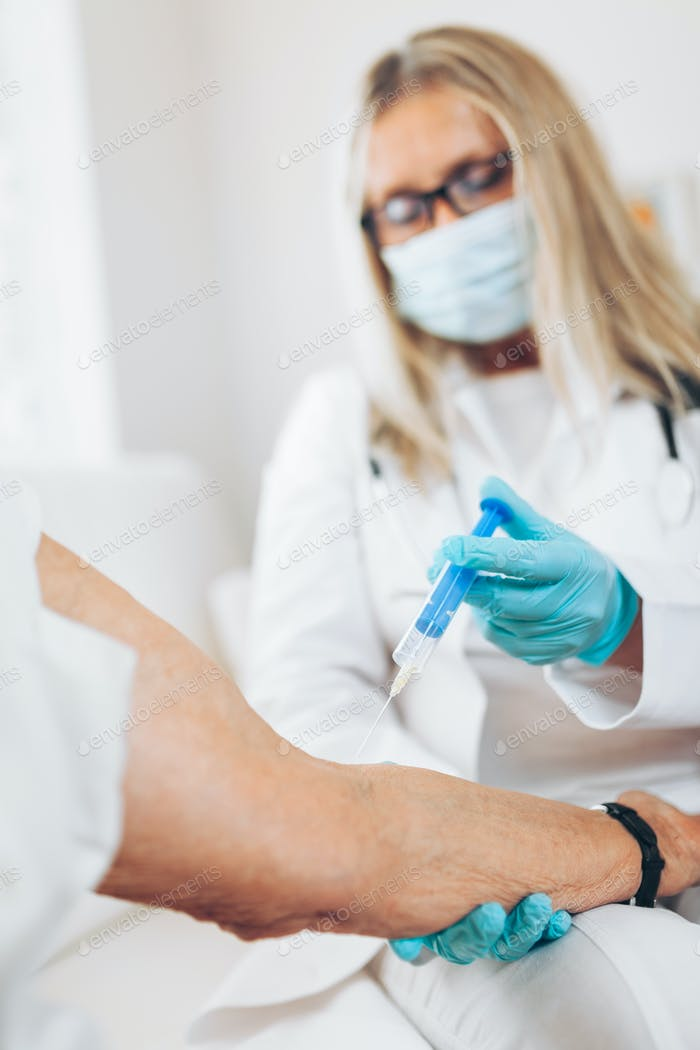 Vaccine administration on an elderly patient