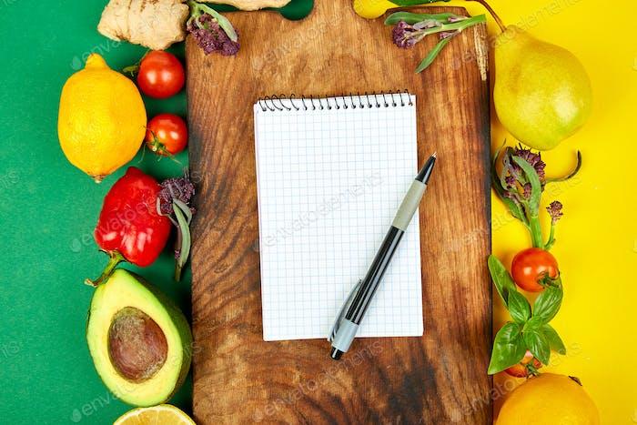 Einkaufsliste, Rezeptbuch, Diät-Plan Diät oder vegane Lebensmittel