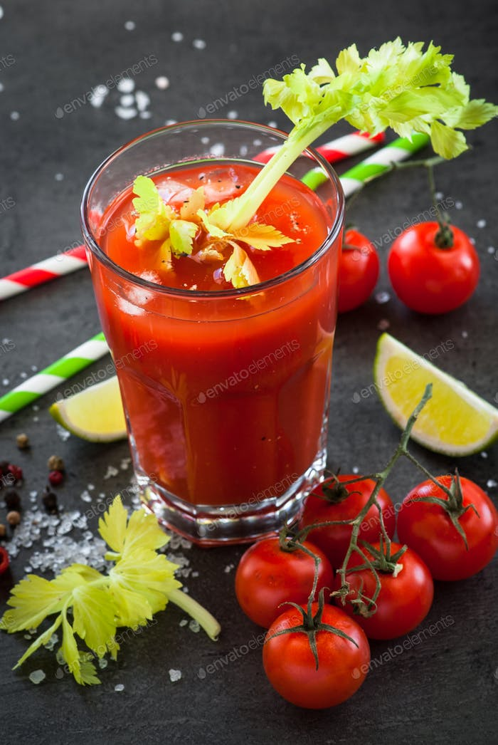 Bloody Mary  coktail.
