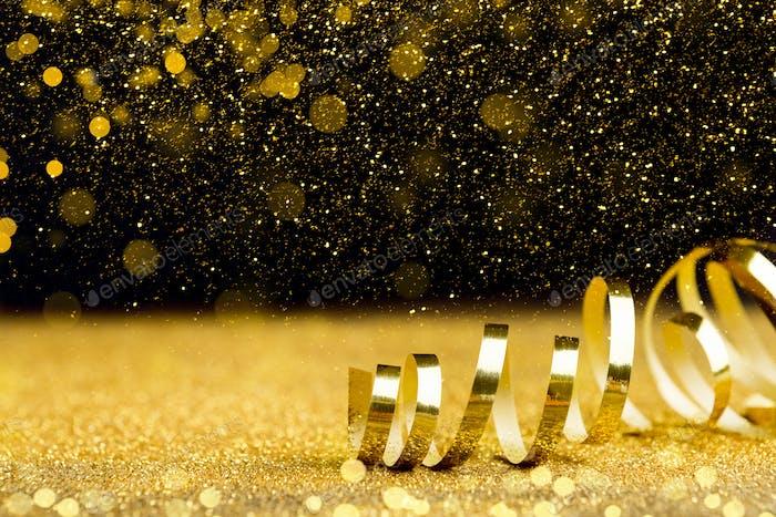 Weihnachtsferien Hintergrund mit goldenem Band