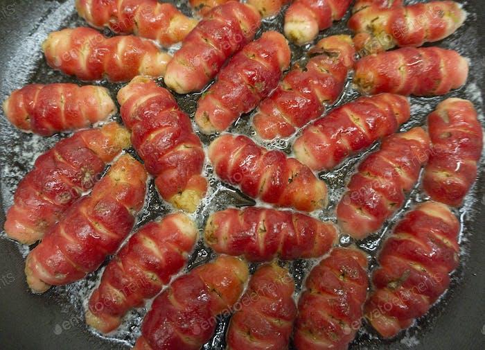 Oxalis tuberosa in pan