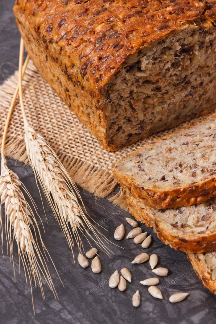 Wholegrain bread for breakfast