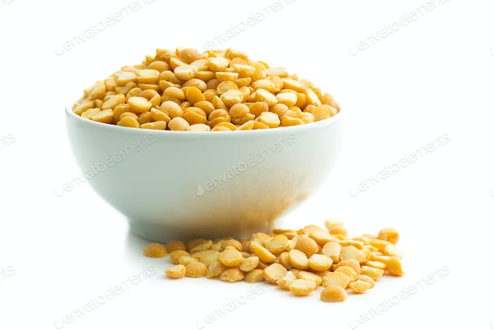 Yellow split peas in bowl.