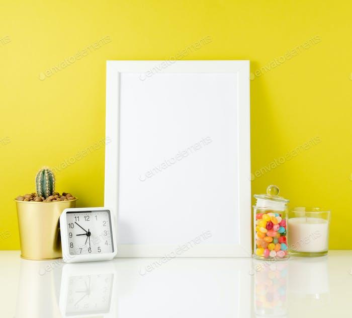 Бланк белая рамка, часы, сочные, конфеты