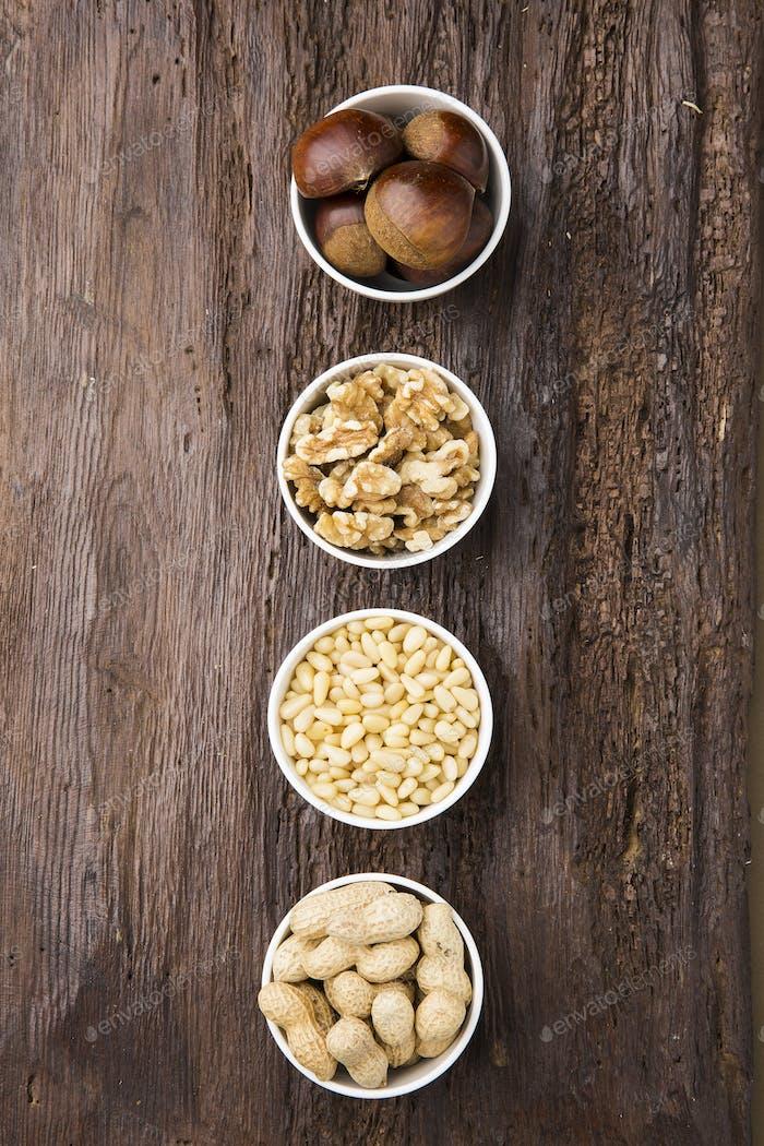 Körner und Nüsse