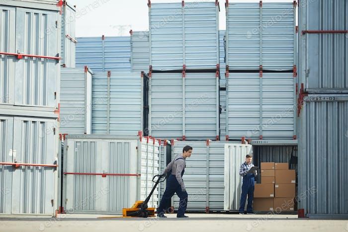 Work of loader men