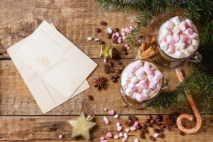 Christmas Cafe Latte mit Marshmallow