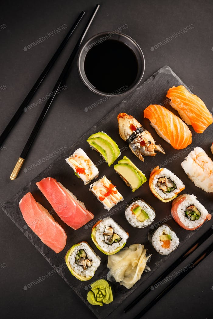 Various kinds of sush