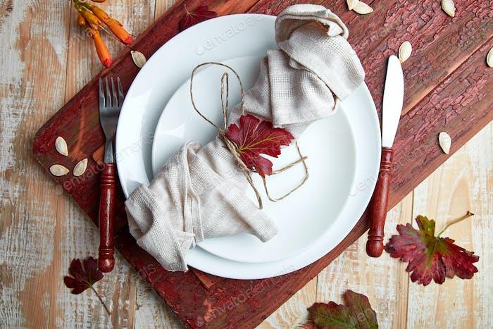 Herbsttisch-Einstellung für Thanksgiving-Tag Feier