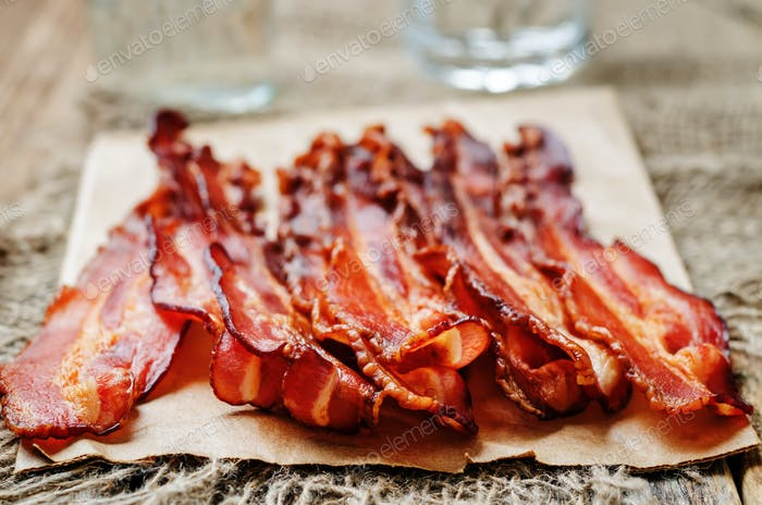 baked slices of bacon