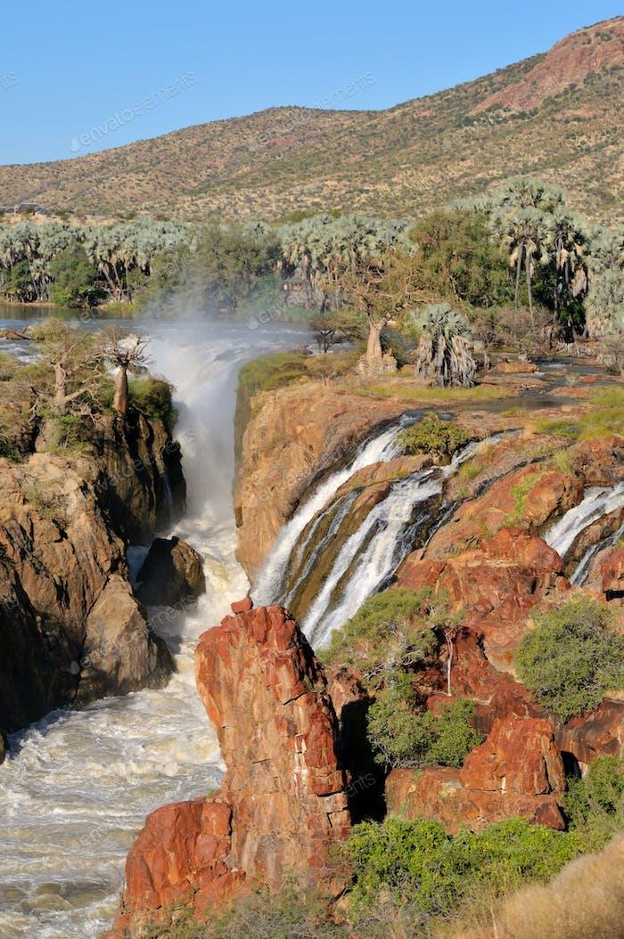 Epupa Wasserfälle an der Grenze von Angola und Namibia