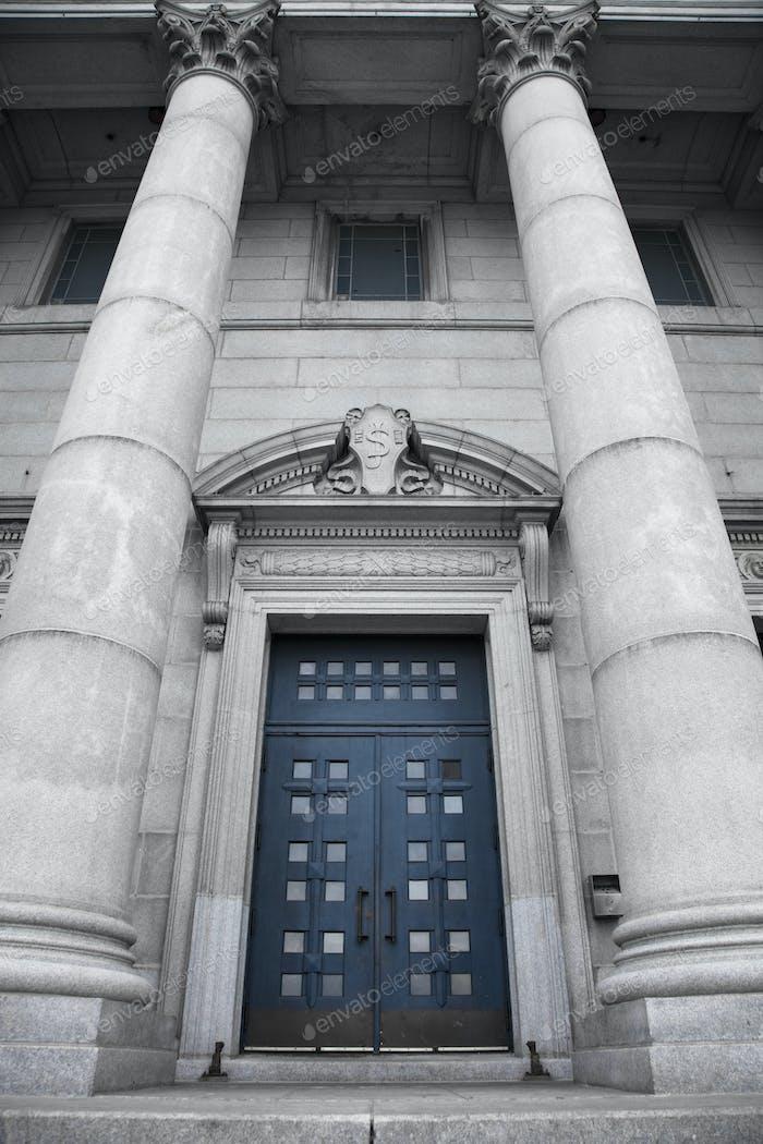 St-Joseph Oratory, blue door