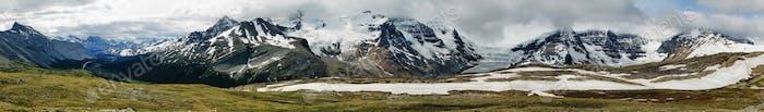 Mountain range views from Wilcox pass