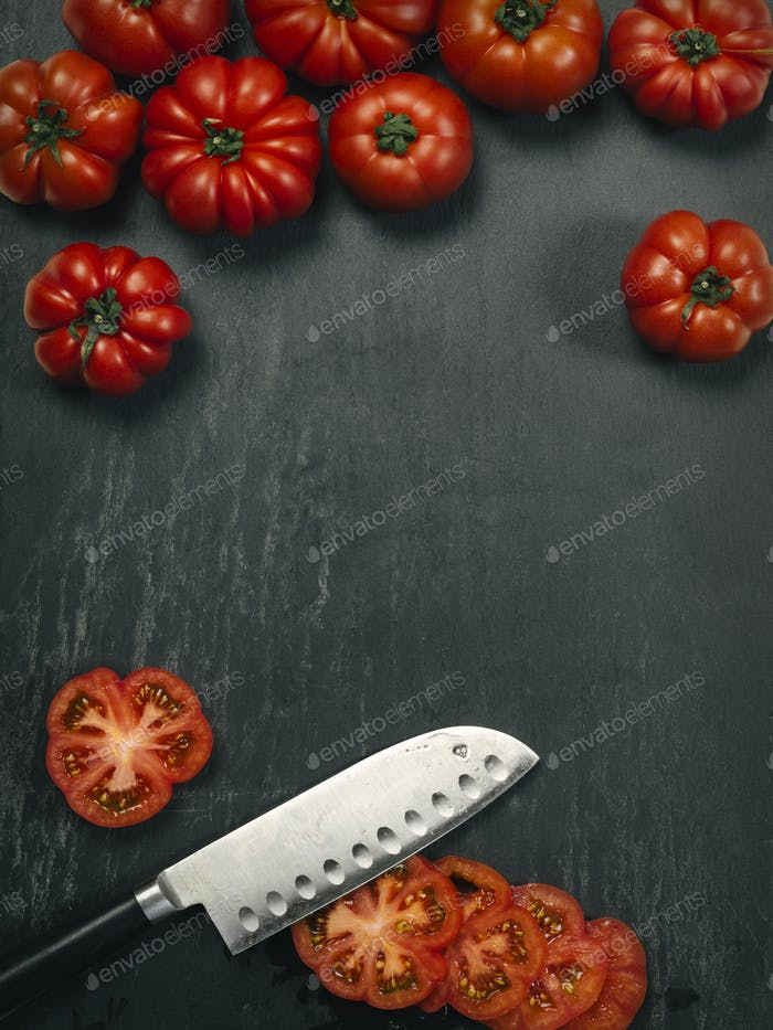 Marmande tomatoes and knife