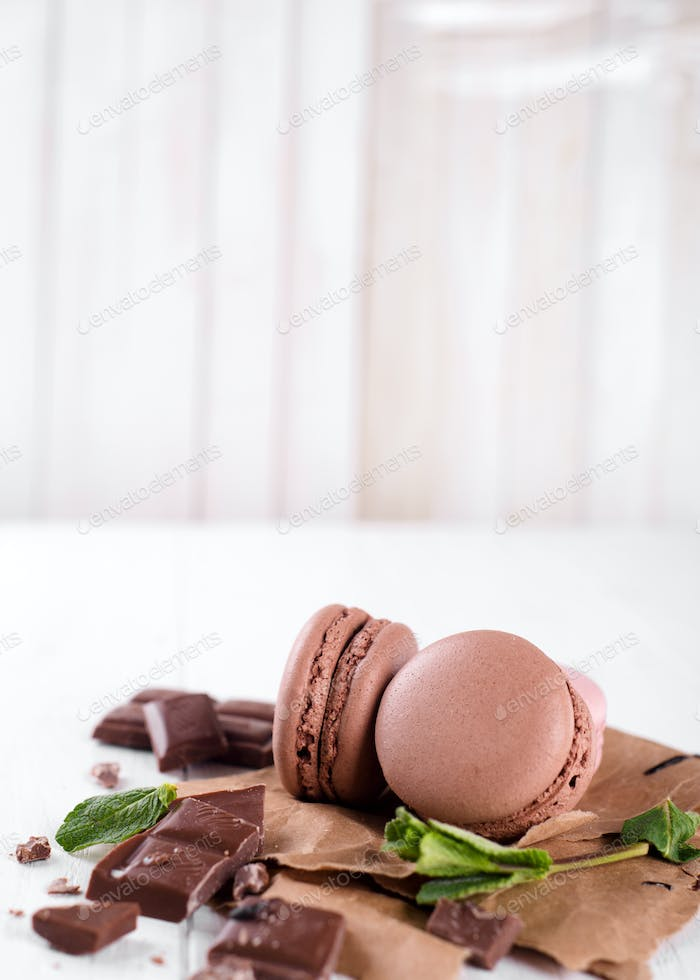 Macaroons with chocolate