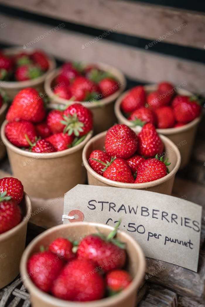Tasty organic strawberries for sale