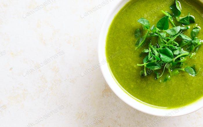 Healthy broccoli green pea soup