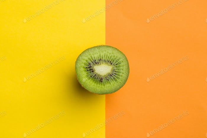 Halved kiwi fruit.