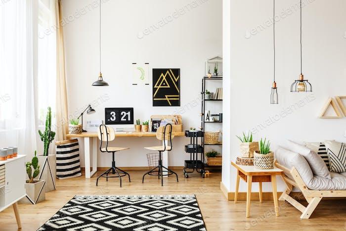 Büro und offenes Wohnzimmer