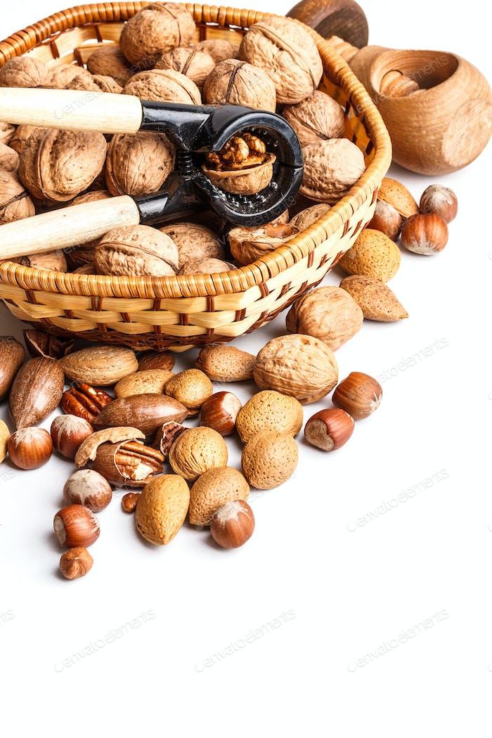 Nüsse und Nussknacker