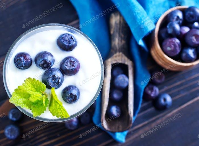 Joghurt mit Heidelbeere