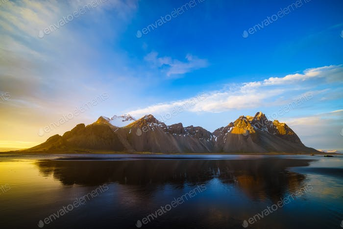 Vestrahorn Berg bei Sonnenuntergang, Stokksnes, Island