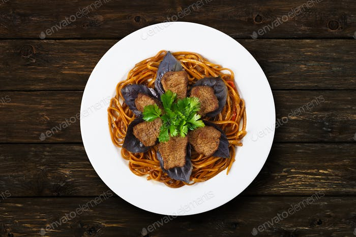 Beef brown noodles restaurant dish