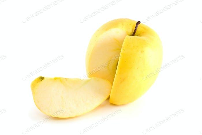 Gelber Apfel mit Stückschliff