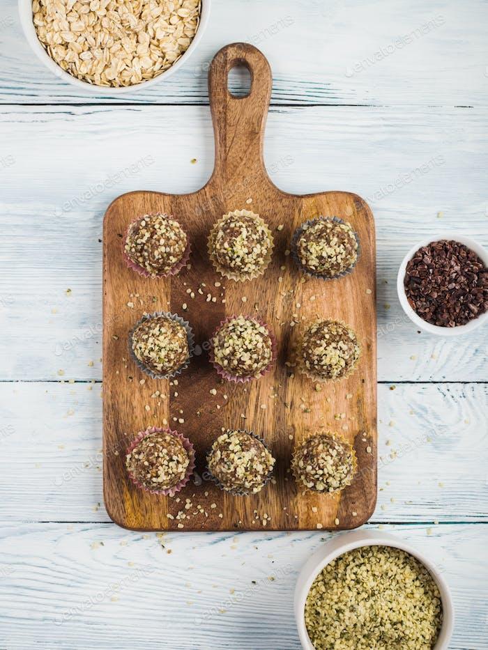 Energy protein balls with dates, hemp seeds