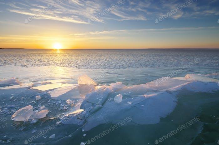 Winterlandschaft. Eisblöcke.