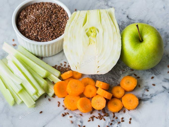 Zutat für Smoothie mit Fenchel, Apfel, Karotte