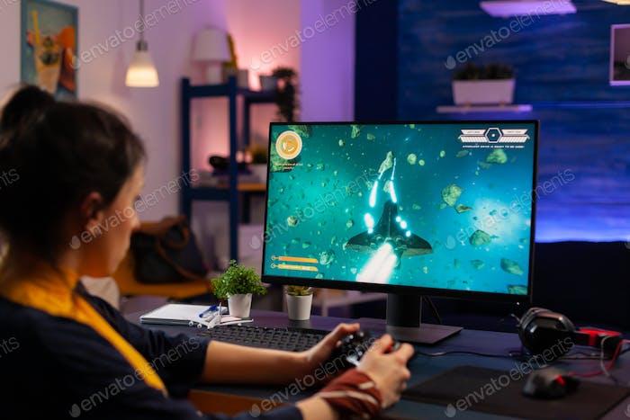Videogamer jugando Gráficos ciberespacio