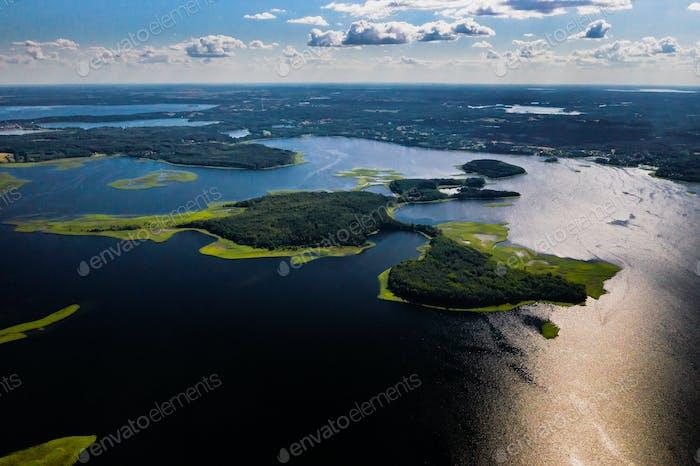 Top Blick auf die Snudy und Strusto Seen im Nationalpark Braslav Seen, die schönsten Seen