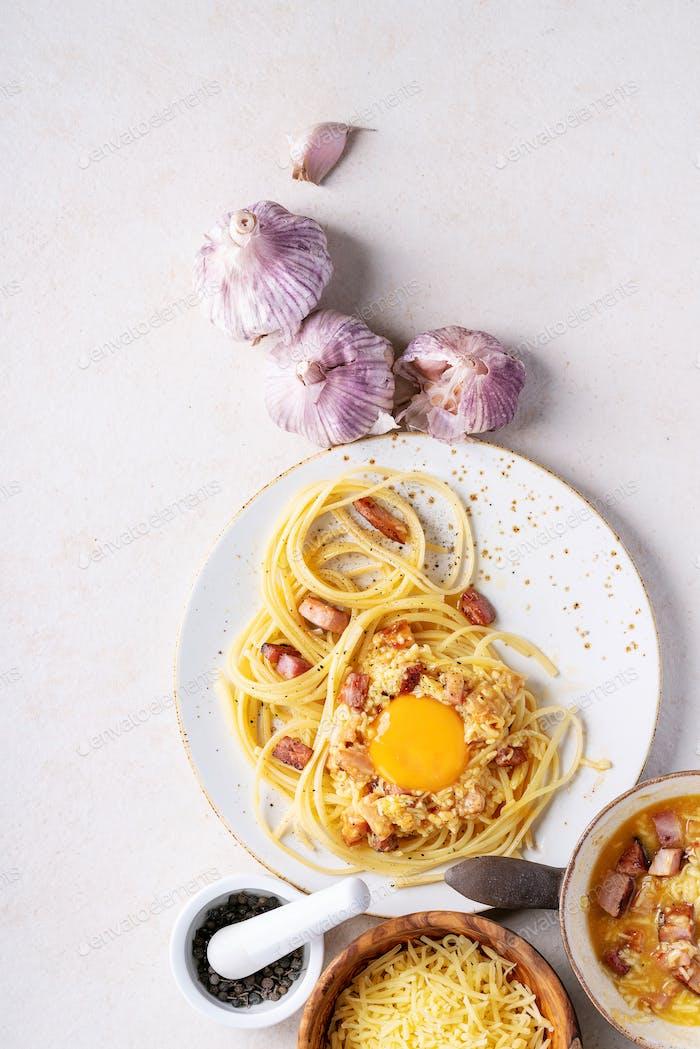 Classic Italian Spaghetti pasta alla carbonara