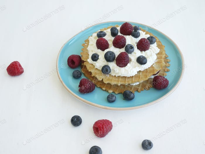 Waffels with sweet ricotta and fresh berries