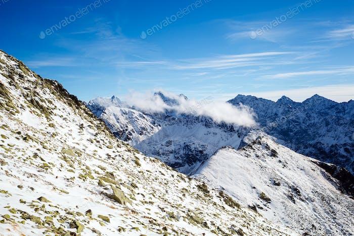 Montañas inspirador Horizontal vista, Día soleado en el monte Tatra