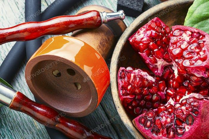 Moderne Shisha mit Obst