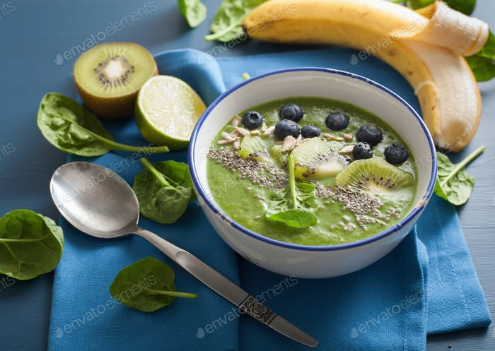 green smoothie bowl spinach kiwi blueberry lime banana with chia