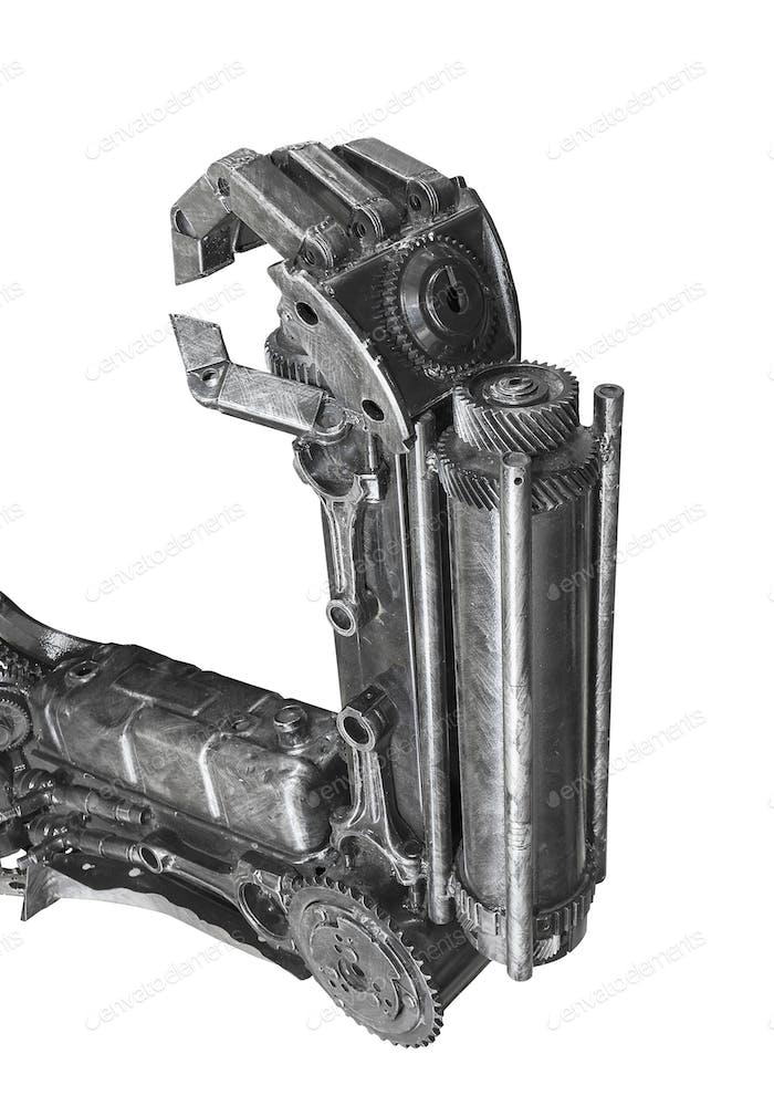 Hand der Roboterskulptur aus Schrott isoliert
