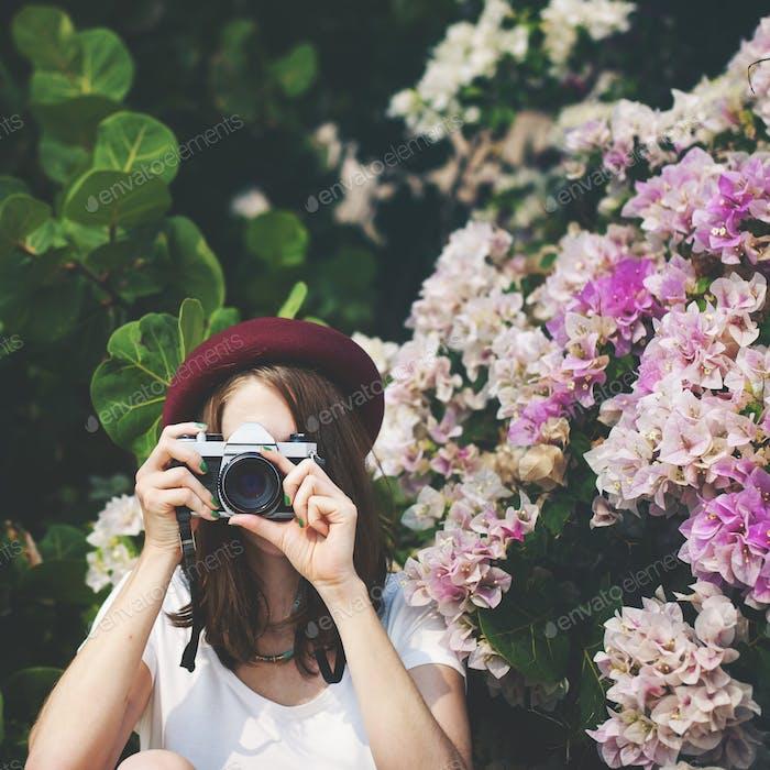 Mädchen Kamera Fotografin Fokus Schießen Natur Konzept
