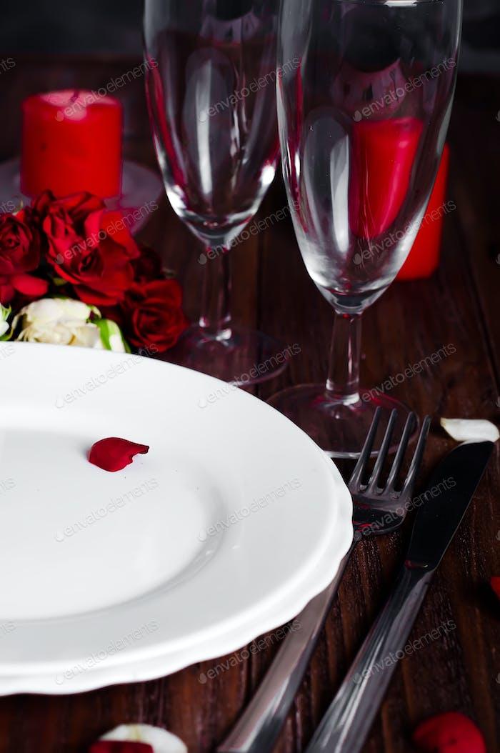 Romantic candle light Valentine Table Setting