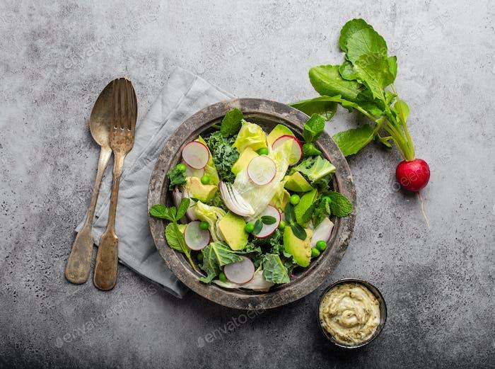 Grüner gesunder Salat
