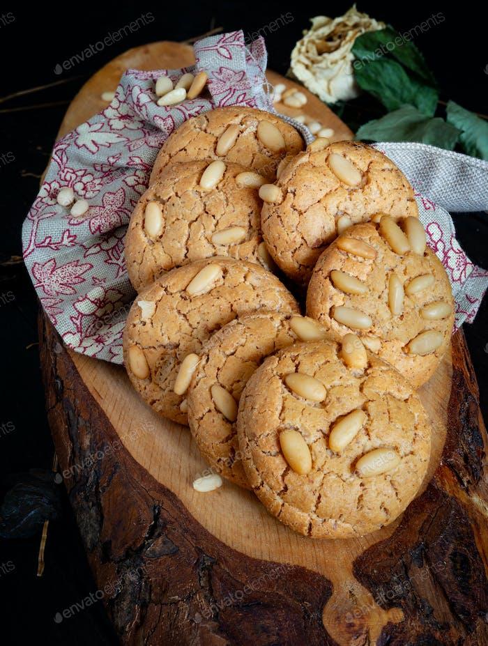 pine nuts cookies