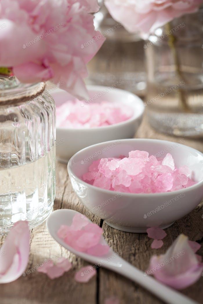 rosa Blume Salz Pfingstrose für Spa und Aromatherapie