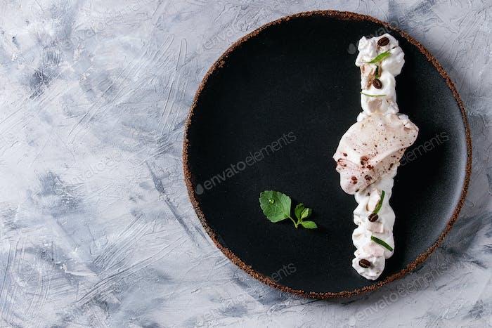 Plating dessert meringue