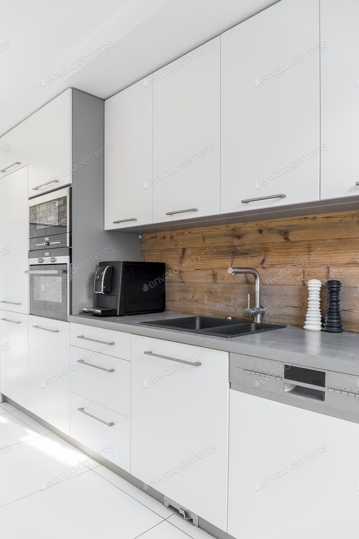Functional kitchen with long countertop
