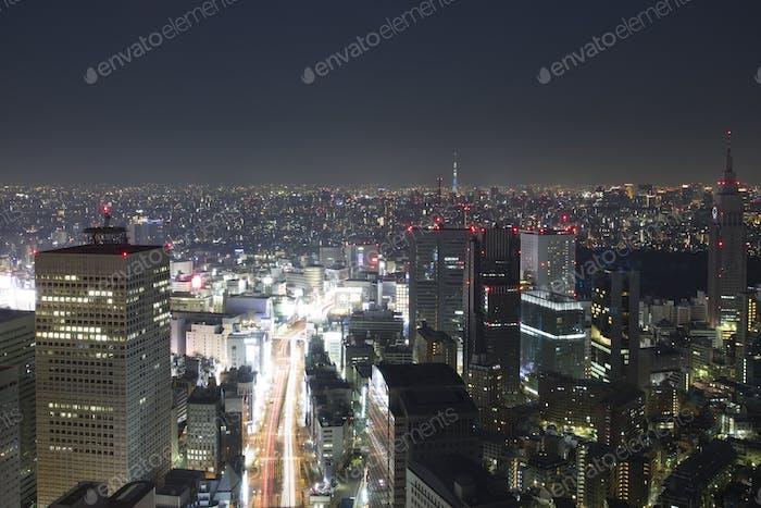 Increíble paisaje urbano de Tokio por la Noche, Japón
