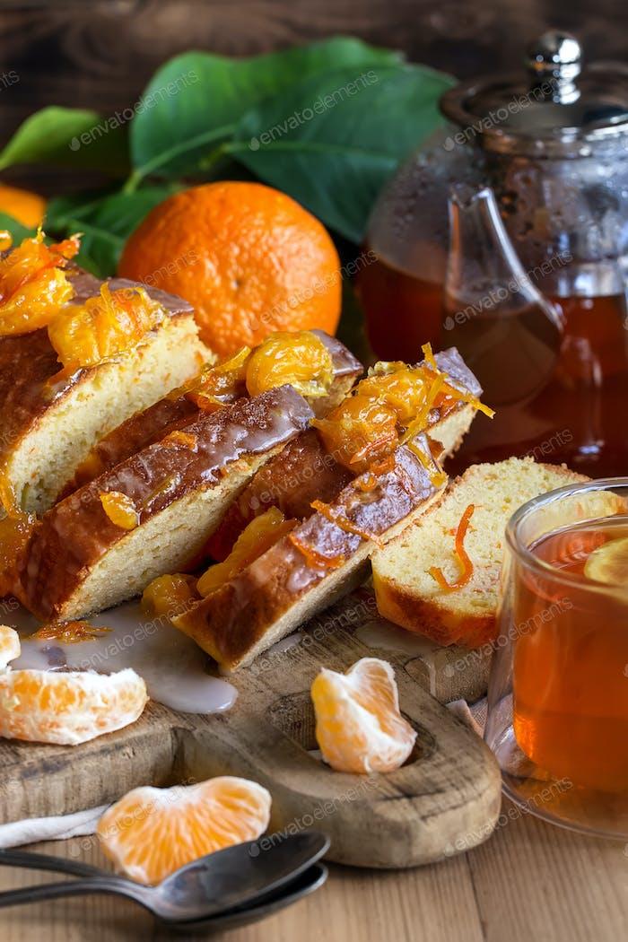 Mandarinenkuchen mit Tee