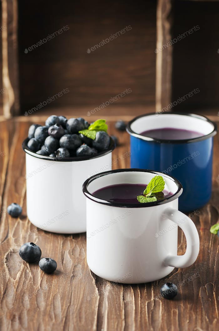 Russian kissel with blueberry and mint